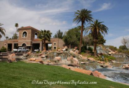 Canyon Gate Neighborhood Golf Club Community Homes Entrance In Las Vegas
